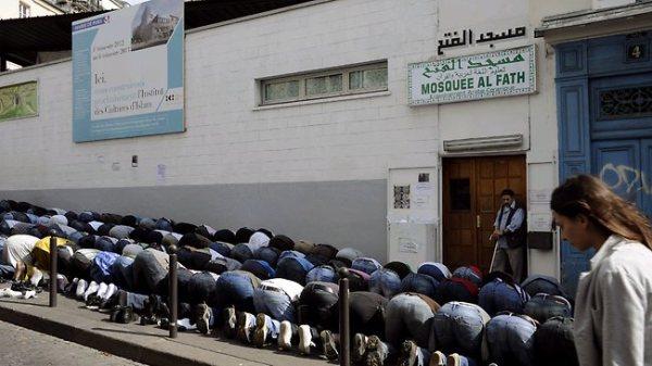 786588-france-politics-religion-islam-rights