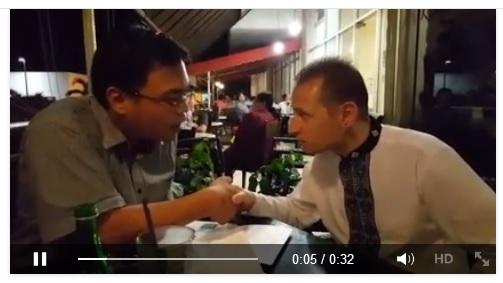 Telah bersyahadat , Mualaf  John Glyndwr Wigington, asal UK, di sebuah warung kopi di tebet bersama saya, asal agamanya dia atheist, [Klik pada gambar untuk melihat Videonya]