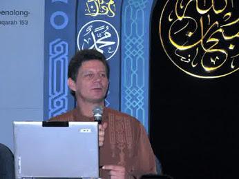 Jerry D Gray Muallaf